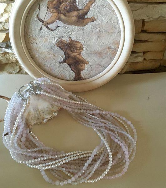 Женское красивое модное крупное стильное жемчужные колье ожерелье на шею украшения из розового кварца в стиле  фото