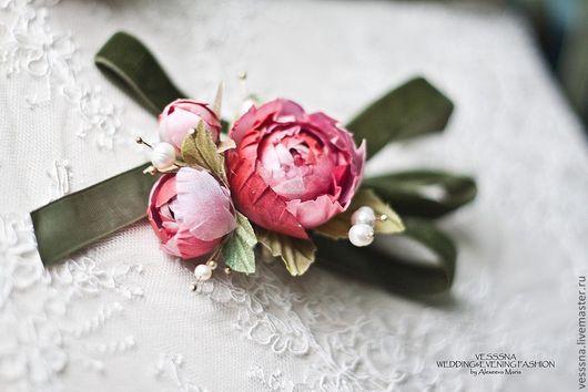 """Браслеты ручной работы. Ярмарка Мастеров - ручная работа. Купить Браслеты для подружек невесты """"Вишневая романтика"""". Цветы из шелка.. Handmade."""