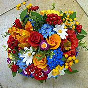 Букет Яркий с ягодами. Цветы из полимерной глины.