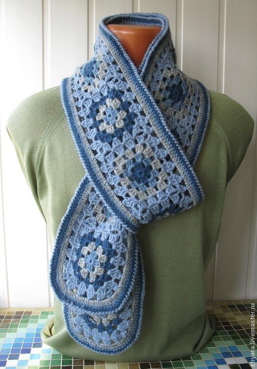 Бохо шарф  на вечную тему - Бабушкин квадрат- связан крючком из шерстяных и полушерстяных ниток. Он очень мягкий, тёплый и совершенно не колется.Серо-голубая гамма этого шарфика подойдёт любой женщине