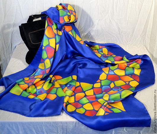 Шали, палантины ручной работы. Ярмарка Мастеров - ручная работа. Купить Большой шелковый платок батик Мозаика на синем. Handmade.