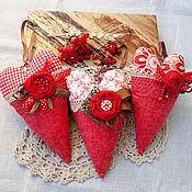 Для дома и интерьера ручной работы. Ярмарка Мастеров - ручная работа Тильда сердечки Красный лен, Интерьерные подвески. Handmade.