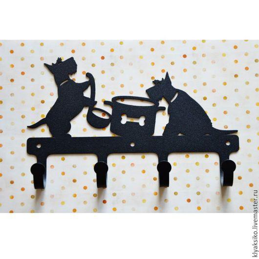 Ключница скотч-терьеры `Веселый обед`, авторский дизайн, металл 1,5 см., порошковая окраска