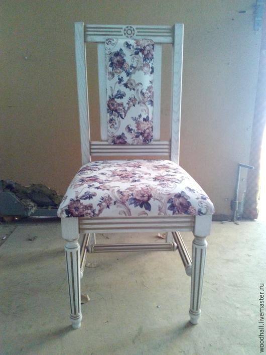 деревянный стул из дерева в стиле прованс