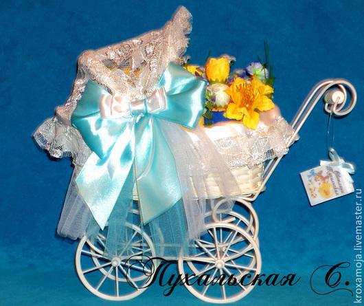 Подарки для новорожденных, ручной работы. Ярмарка Мастеров - ручная работа. Купить Букет из одежды  для новорожденного в красивой колясочке. Handmade. новорожденному