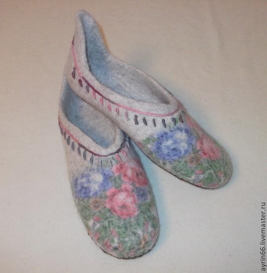 """Обувь ручной работы. Ярмарка Мастеров - ручная работа. Купить Тапочки """"Ксения"""". Handmade. Обувь ручной работы, валяные тапочки"""