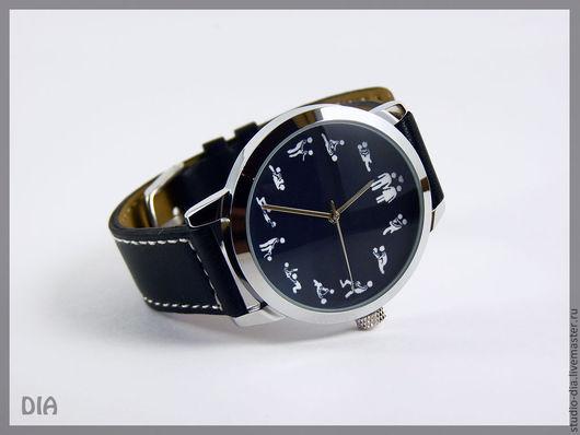 Оригинальные Дизайнерские Часы С Позами Камасутры (Черный Фон). Студия Дизайнерских Часов DIA