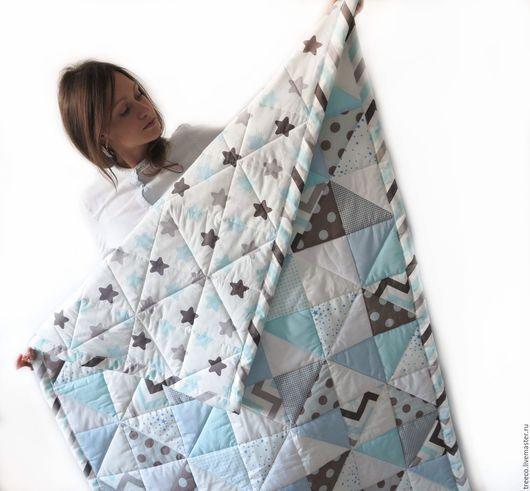 Пледы и одеяла ручной работы. Ярмарка Мастеров - ручная работа. Купить Детское лоскутное одеяло со звездами. Handmade. Голубой