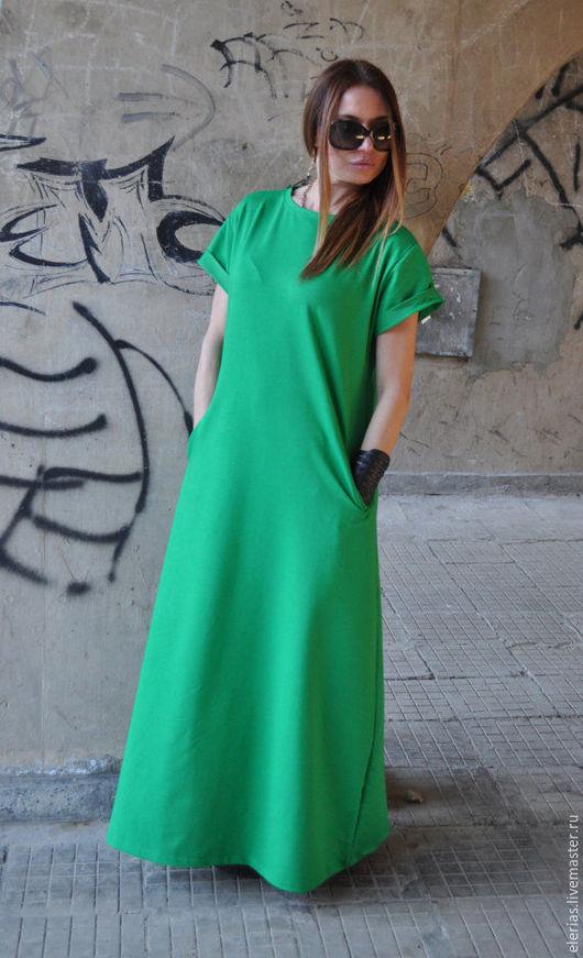 Длинное платье в пол. Платье с короткими рукавами. Платье с карманами.