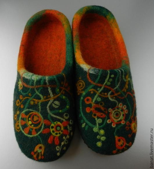 """Обувь ручной работы. Ярмарка Мастеров - ручная работа. Купить Тапки валяные домашние """"Зеленый + оранжевый"""". Handmade. оранжевый"""