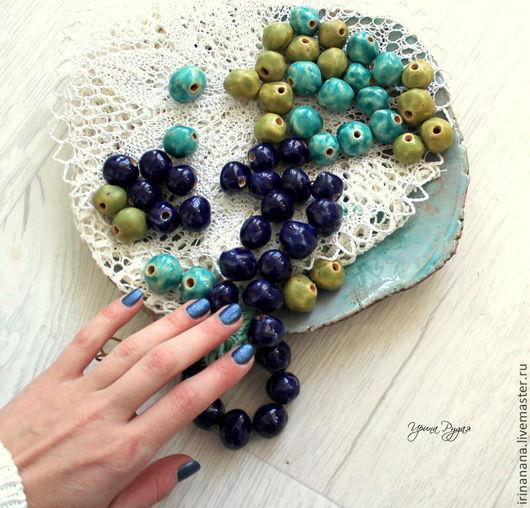 Колье, бусы ручной работы. Ярмарка Мастеров - ручная работа. Купить Керамические бусы-бусины ярко-синие и бирюзовые. Handmade.