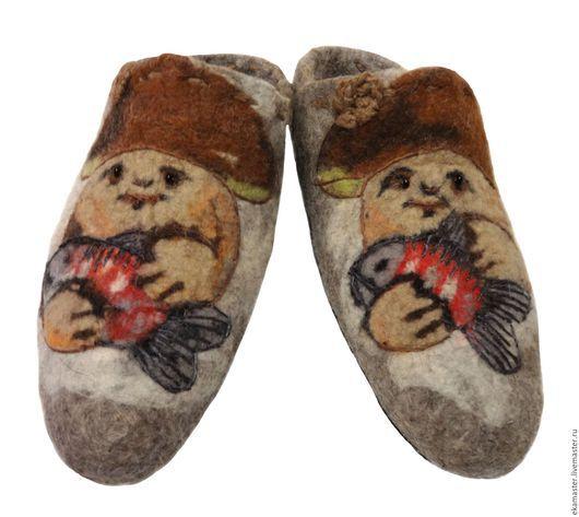 """Обувь ручной работы. Ярмарка Мастеров - ручная работа. Купить Тапочки мужские валяные """"А я уеду в деревню к деду!"""". Handmade."""