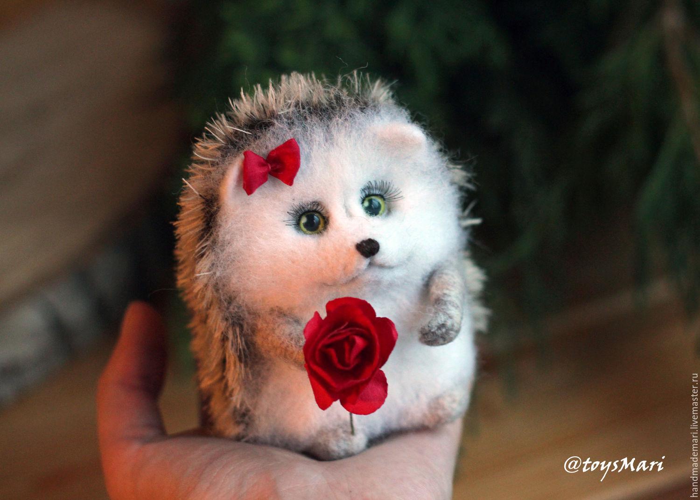 Миниатюра ручной работы. Ярмарка Мастеров - ручная работа. Купить Ежик с цветочком девочка. Handmade. Ежик, коричневый