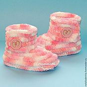 Работы для детей, handmade. Livemaster - original item Boots plush booties, knitted booties, booties pink. Handmade.