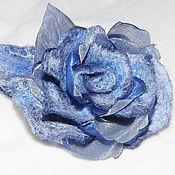 Украшения ручной работы. Ярмарка Мастеров - ручная работа Голубая роза из шерсти и органзы. Handmade.