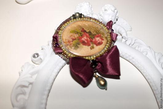 """Броши ручной работы. Ярмарка Мастеров - ручная работа. Купить Брошь """"Ветка розы и винограда"""". Handmade. Бордовый, Стразы swarovski"""