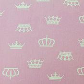 Материалы для творчества ручной работы. Ярмарка Мастеров - ручная работа Ткань Хлопок Короны на розовом. Handmade.