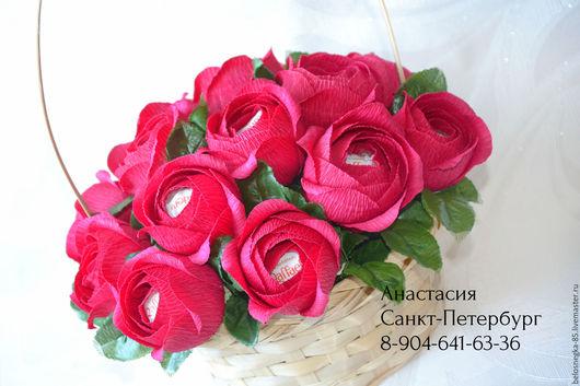 """Букеты ручной работы. Ярмарка Мастеров - ручная работа. Купить Букет из конфет """"Розы"""" с рафаэлло. Handmade. Подарок, букет в подарок"""