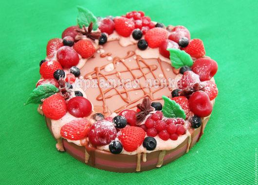 """Мыло ручной работы. Ярмарка Мастеров - ручная работа. Купить Мыло торт """"Ягодно-шоколадный"""". Handmade. Торт, мыло сувенирное"""