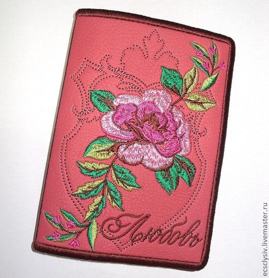 """Обложки ручной работы. Ярмарка Мастеров - ручная работа. Купить Обложка для паспорта """"Королевская роза"""". Handmade. Коралловый, обложка на загранпаспорт"""