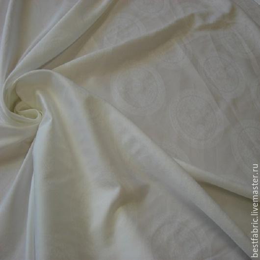 сорочечная жаккардовая ткань сток VERSACE , Италия хлопок 100% шир. 152 см цена 1430 р цвет белый легкая, мягкая, шелковиситая , с матовым блеском и слегка фактурной пов-ю, непрозрачная