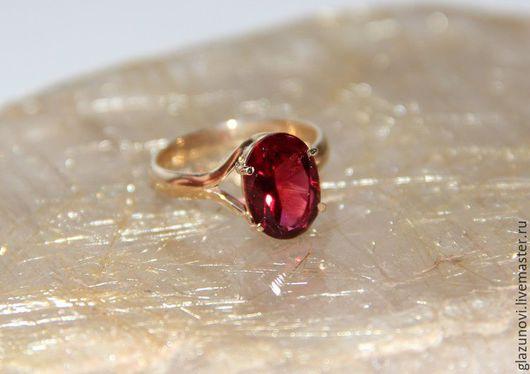 Кольца ручной работы. Ярмарка Мастеров - ручная работа. Купить Золотое кольцо (585) с турмалином. Handmade. Ярко-красный
