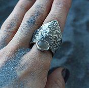 Украшения ручной работы. Ярмарка Мастеров - ручная работа Кольцо-коготь в технике ретикуляции с лунным камнем. Handmade.
