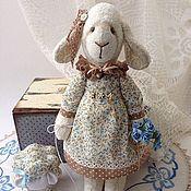 Куклы и игрушки ручной работы. Ярмарка Мастеров - ручная работа Винтажная овечка Абель с барашком. Handmade.
