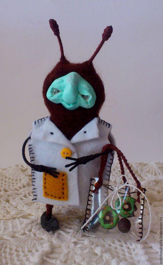 Сказочные персонажи ручной работы. Ярмарка Мастеров - ручная работа. Купить Тараканиха- хранительница Иика. Handmade. Коричневый, оберег для дома