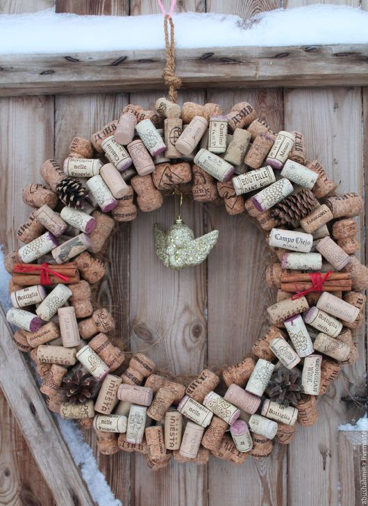 """Новый год 2017 ручной работы. Ярмарка Мастеров - ручная работа. Купить эко-новогодний венок из пробок """"ангел,вино и шампанское"""". Handmade."""