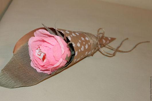 """Букеты ручной работы. Ярмарка Мастеров - ручная работа. Купить Конфетный букет в кулечке """"Нежность"""". Handmade. Розовый, конфеты рафаэлло"""