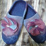 Обувь ручной работы. Ярмарка Мастеров - ручная работа тапочки-шлепки валяные Черничное лето. Handmade.