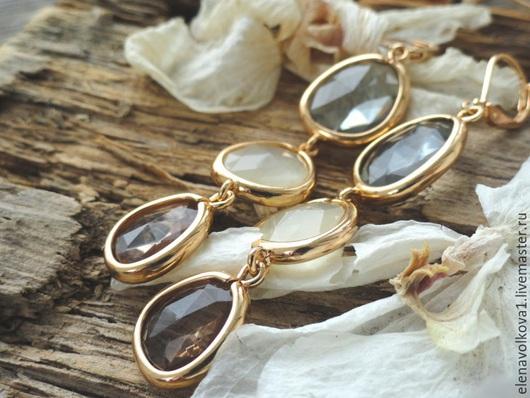 серьги длинные тройные с камнями позолоченные - вечерние нарядные серьги, подарок девушке по особому случаю, красивые серьги элегантные