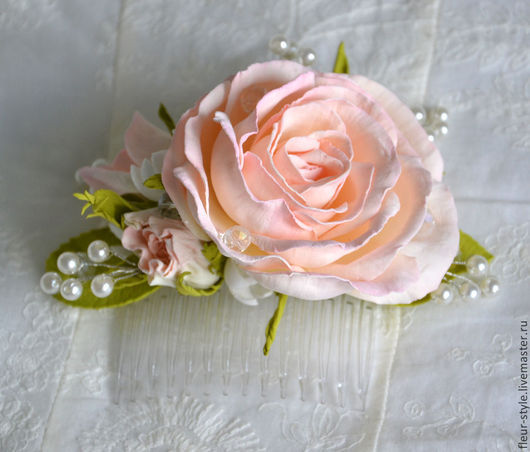 """Свадебные украшения ручной работы. Ярмарка Мастеров - ручная работа. Купить Гребень для волос с розами """"Флоренция"""". Handmade. Бледно-розовый"""