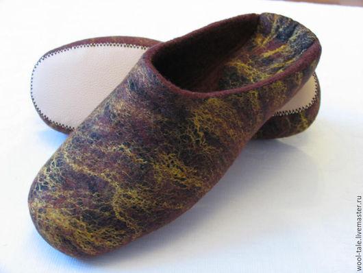 Обувь ручной работы. Ярмарка Мастеров - ручная работа. Купить тапочки мужские валяные из тонкой мериносовой шерсти. Handmade.