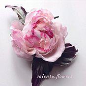Цветы и флористика ручной работы. Ярмарка Мастеров - ручная работа цветок из шелка, брошь розочка полубутон. Handmade.