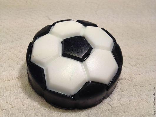 """Мыло ручной работы. Ярмарка Мастеров - ручная работа. Купить Мыло для рук """"Мяч"""". Handmade. Чёрно-белый, футбол, для мужчин"""