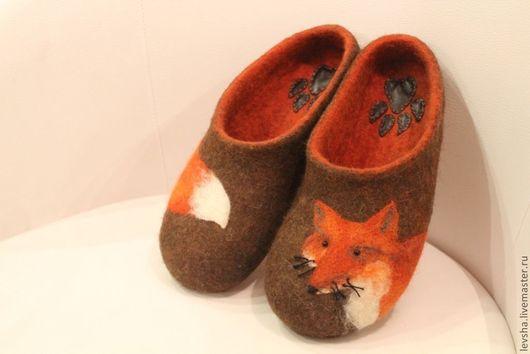 Тапочки валяные. Тапочки сваляны из овечьей шерсти. Качественные валяные тапочки! Тапочки подшиты кожей, но возможно сделать резиновую подошву. Тапочки валяные на заказ 3-4 дня. Домашние тапочки.