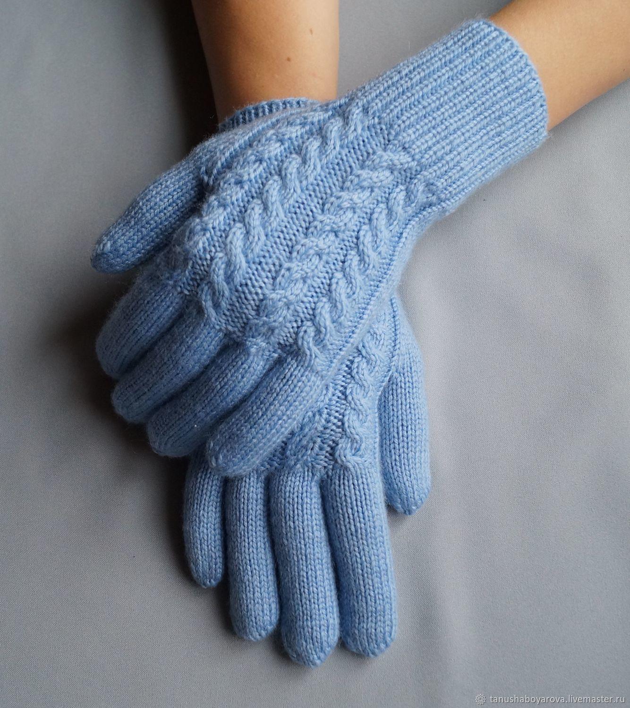 Вышиваем теплые варежки зимними узорами