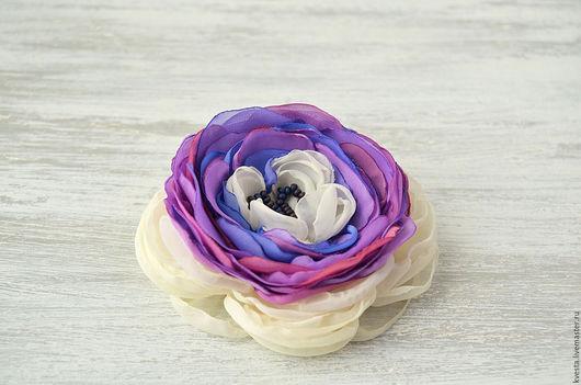 Броши ручной работы. Ярмарка Мастеров - ручная работа. Купить Брошь из ткани Фиолетовое счастье. Handmade. Цветы из ткани, в подарок