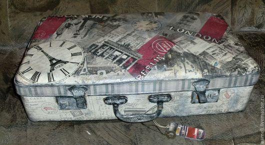 """Корзины, коробы ручной работы. Ярмарка Мастеров - ручная работа. Купить Винтажный чемодан """"Мелькали годы, люди,города..."""". Handmade."""