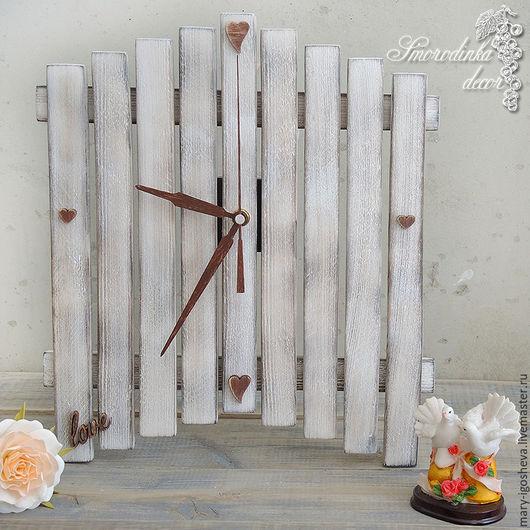 Часы для дома ручной работы. Ярмарка Мастеров - ручная работа. Купить Часы настенные с надписью love. Handmade. Винтаж, из дерева