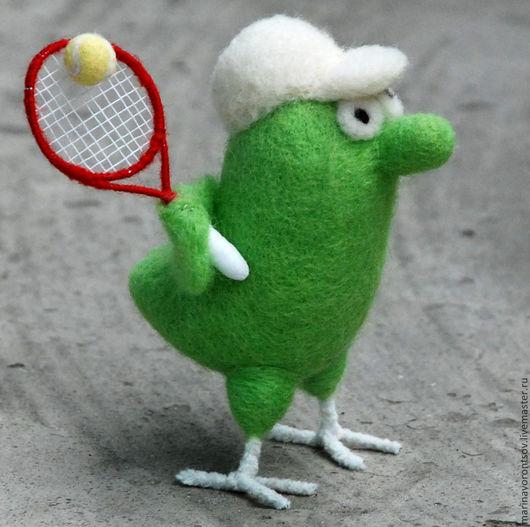 Валяная из шерсти Птичка - теннисист из книги `Маленькие, но гордые птички` художника Николая Воронцова( Микола или дядя Коля Воронцов).