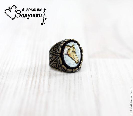 Кольца ручной работы. Ярмарка Мастеров - ручная работа. Купить Кольцо перстень в винтажной оправе Лошадь. Handmade. Коричневый, принт