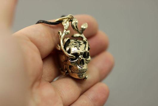 Кулоны, подвески ручной работы. Ярмарка Мастеров - ручная работа. Купить Кулон Человеческий череп. Handmade. Коричневый, сувенир, оберег