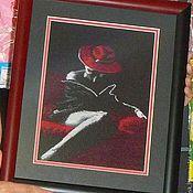 Картины и панно ручной работы. Ярмарка Мастеров - ручная работа Вышивка крестом Дама в красном. Handmade.