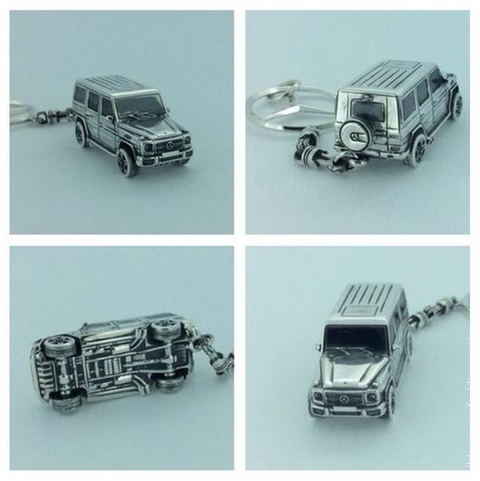 Внедорожник MERCEDES BENZ G500 AMG, брелок для ключей ручной работы из серебра 925. Выполнен с детальной проработкой всех деталей, колёса вращаются!!!! Цепь из `поршней`, CRAZY SILVER,СПБ