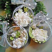 """Подарки к праздникам ручной работы. Ярмарка Мастеров - ручная работа елочное украшение """"Белые цветы"""". Handmade."""