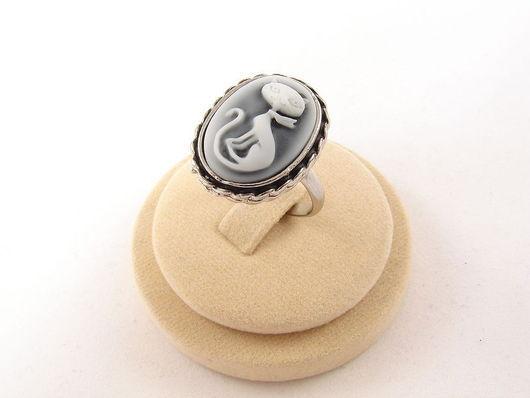 Кольца ручной работы. Ярмарка Мастеров - ручная работа. Купить Кольцо-камея Кошечка ретро, ант.серебро (13х18мм). Handmade.