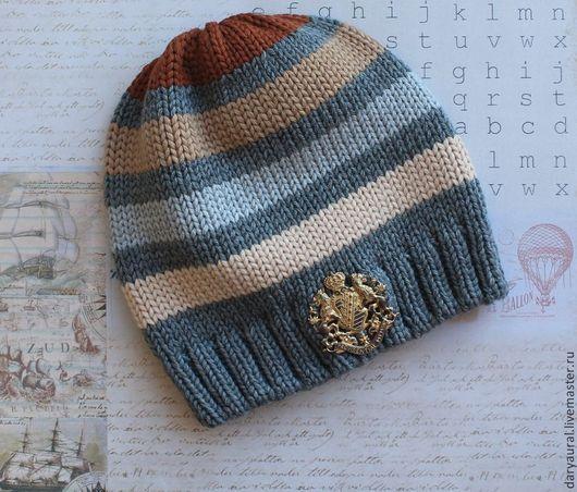 Стильная элегантная шапочка крупной вязки из шерсти мериноса.
